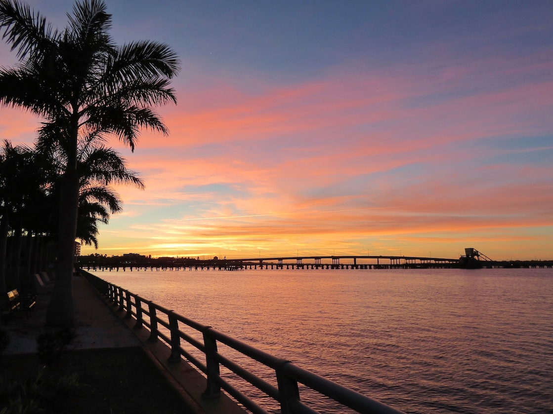 Sun,Setting,At,River,Walk,Along,The,Manatee,River,In